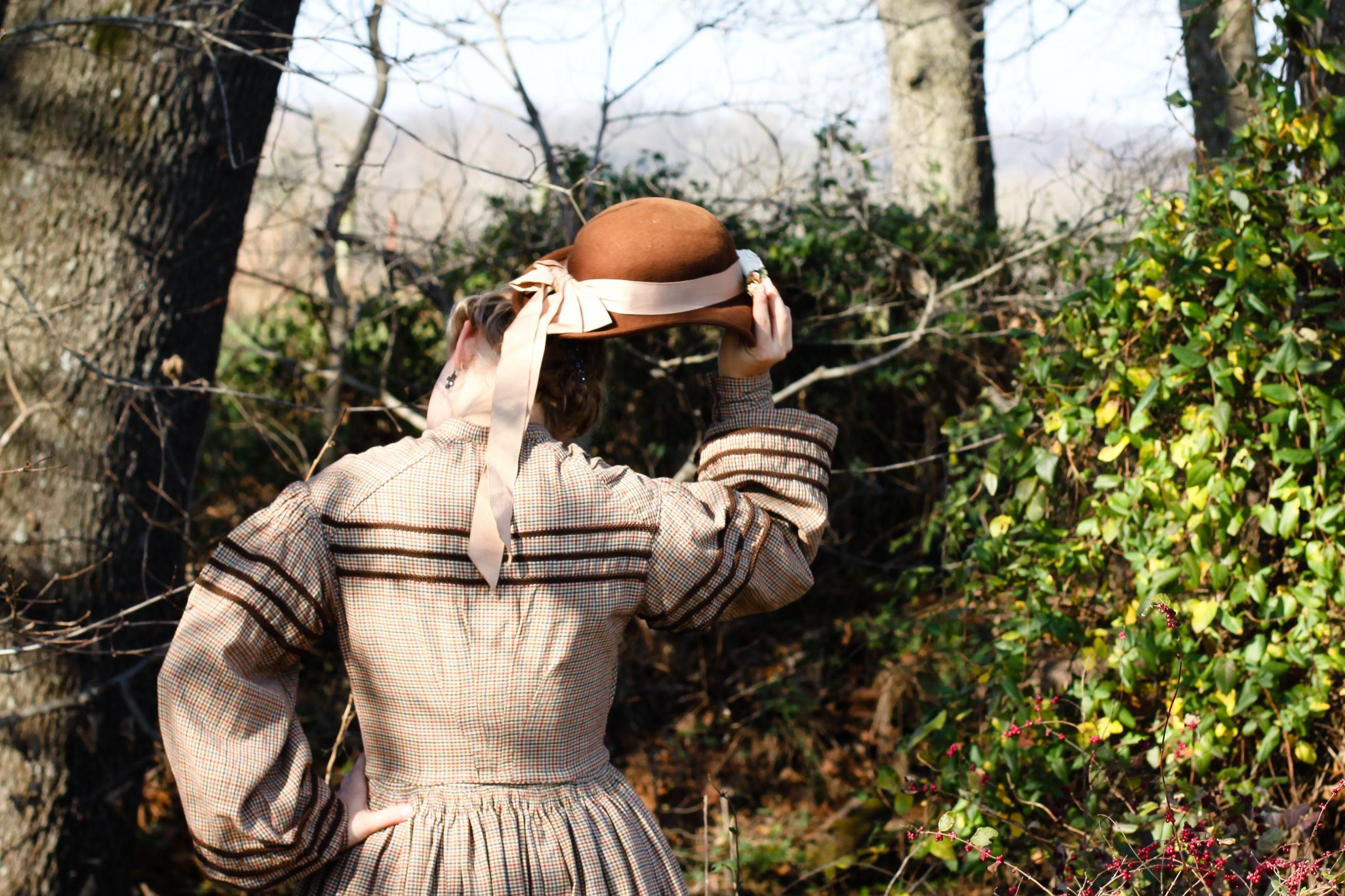 1860's Work Dress – Civil War Era – Homespun Fabric from JoAnns